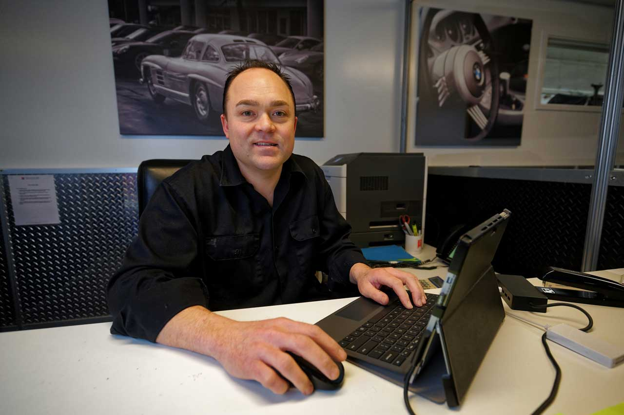 Park place ltd staff adam takayoshi photo and bio information ase master technician adam takayoshi has been servicing mercedes benz in bellevue for many years at the mercedes garage your customer service satisfaction solutioingenieria Images